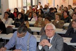I partecipanti al Convegno con il Dott. Vito Rapisarda, Assessore ai Servizi Sociali del Municipio Roma 18   ilcantico.fratejacopa.net